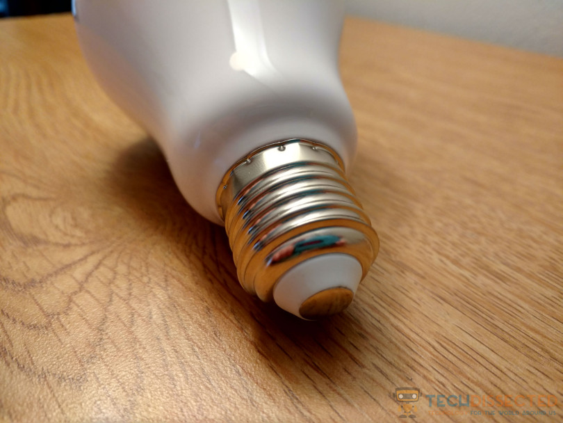 1ByOne Smart LED Bulb Image 3